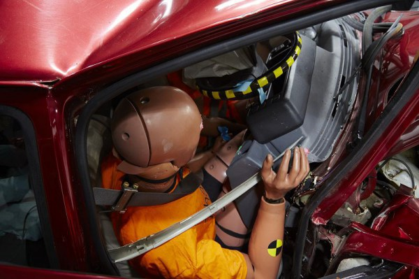 有外傷、無內傷  車體結構的重要性
