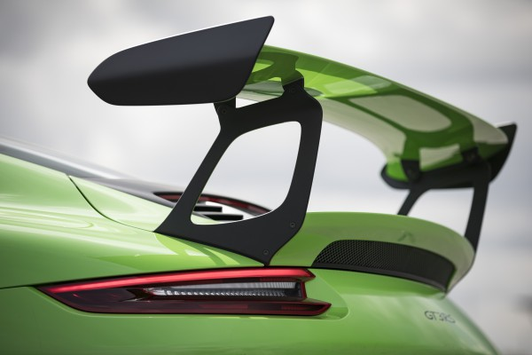 NA之王再臨  911 GT3 RS售價破千萬