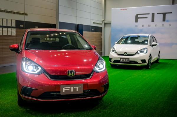 Honda Fit汽油版正式上市,油電版緊接到來