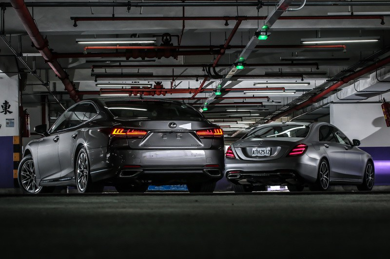 高峰會 Lexus LS 500 vs. Mercedes-Benz S450 L
