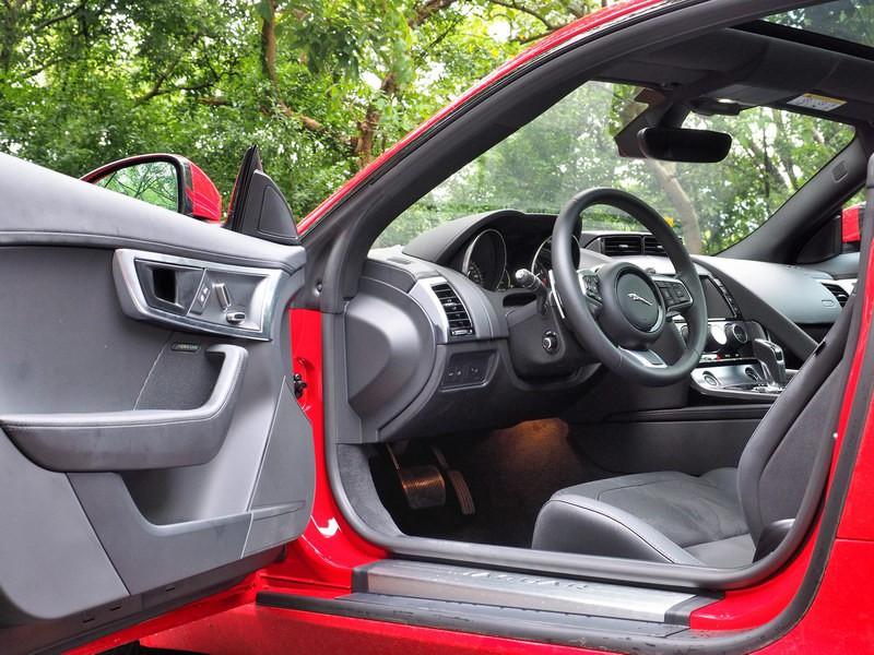 紳士與野獸-Jaguar F-Type Coupe