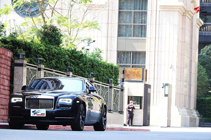 Rolls-Royce Wraith 神一般的魔力