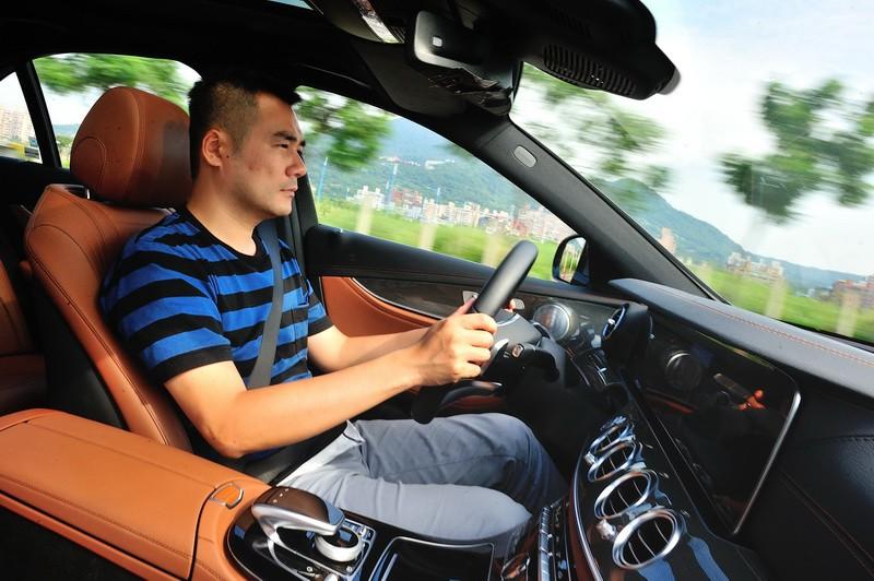 可程式化操控系統實戰 Mercedes-Benz  DYNAMIC SELECT