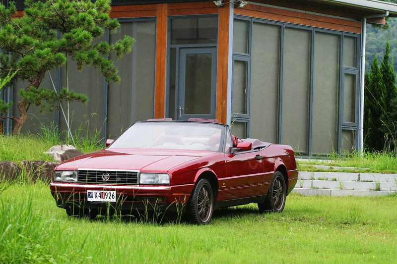 老車回憶系列-4 Cadillac Allante