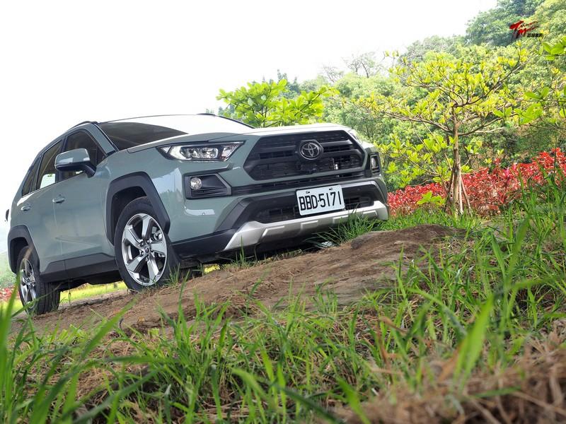 探尋價值所在—Toyota RAV4 2.5 Adventure 4WD