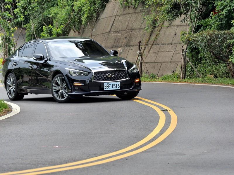 追求後驅樂趣的本質派房車-Infiniti Q50 2.0t Silver Sport
