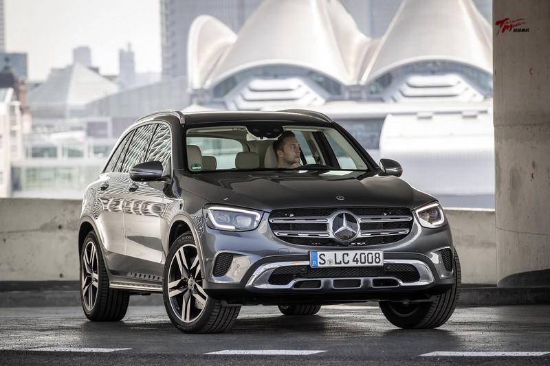 中堅戰力再升級-Mercedes-Benz GLC Facelift海外試駕