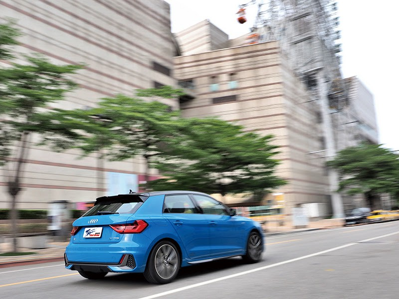 Audi A1 Sportback 令人忍不住回眸的帥