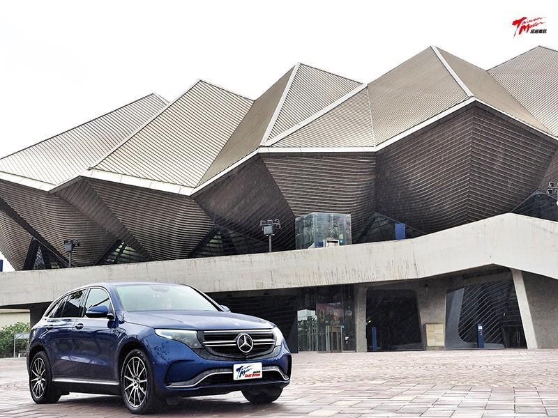 Mercedes-Benz EQC 400 4Matic  傳統口味,全新感受