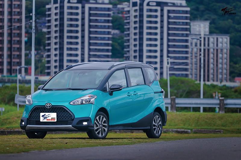 趕流行-Toyota Sienta Crossover