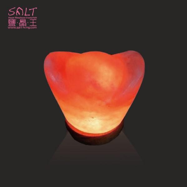 鹽燈專家【鹽晶王】療癒系商品‧USB金元寶造型鹽燈(木座),可擺放辦公桌,電腦旁,讓您財富福運滿滿。