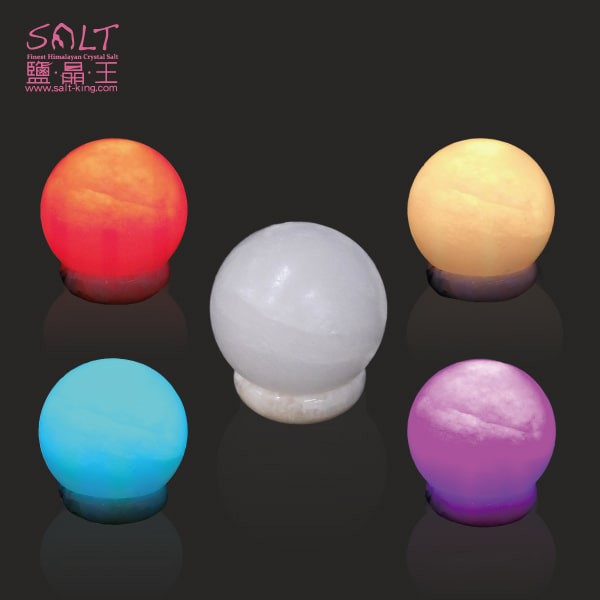 鹽燈專家【鹽晶王】療癒系商品‧頂級特殊白鹽大福彩變鹽燈(USB),搭配獨特多晶元之LED變化上百種顏色。