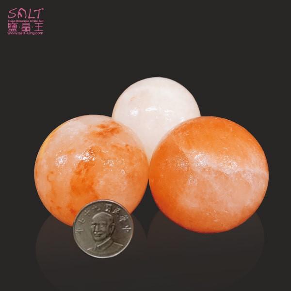 鹽燈專家【鹽晶王】巴基斯坦玫瑰結晶鹽《圓型》(三顆),手工磨製而成。